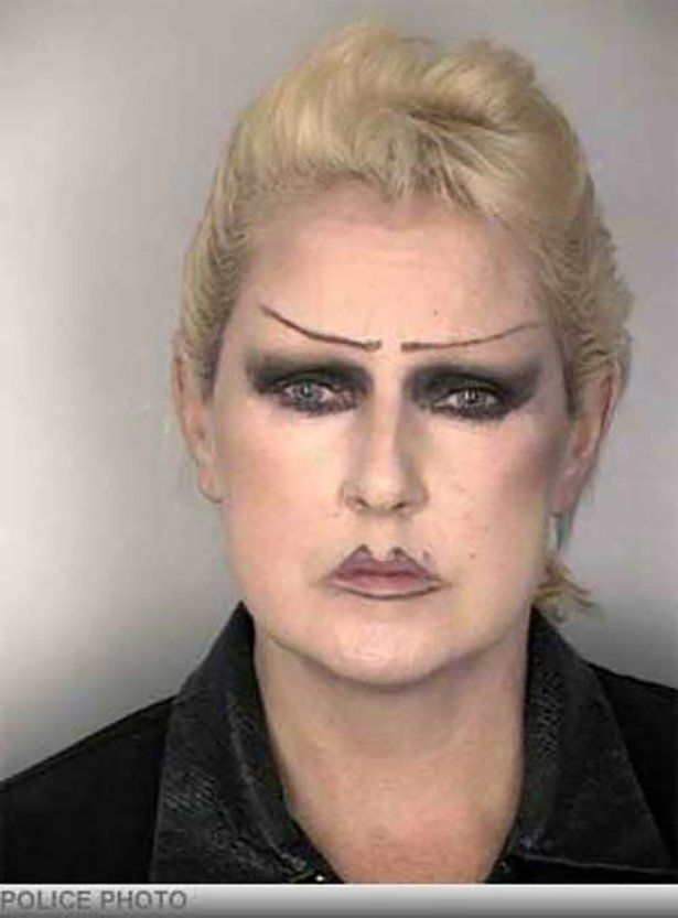 Bad permanent makeup 33 make up fails someone please for Tattooed eyebrows gone wrong