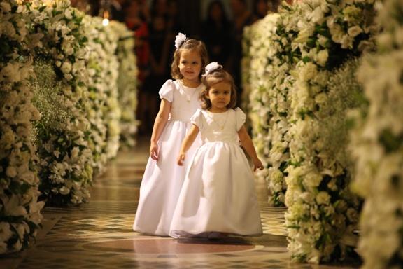 Daminhas.Umbrella Wedding, For Marriage, Successful Marriage, Weddings, Blog De Casamento, Daminhas, Casamentos Por, Bride, By Marriage