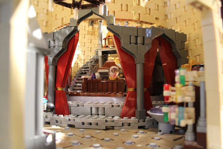 Dumbledore's Office | Mom Single-Handedly Builds 400,000-Piece Lego Hogwarts