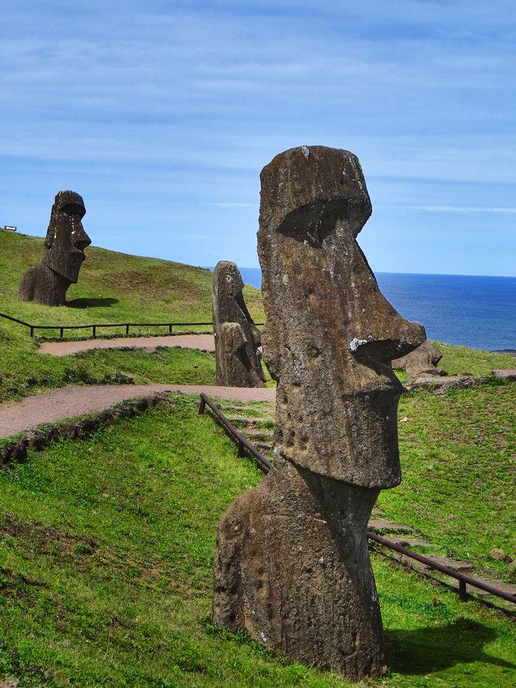 Moai - Easter Island - Rapa Nui - Isla de Pascua - Chile