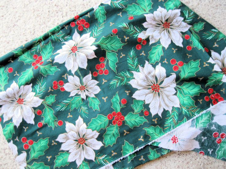 $12.99 5 yds Vintage Christmas Pointsettia Fabric Polyester & Cotton Blend by BrightEyesKreations on Etsy