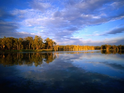 The beautiful Murray River in Mildura. - camping