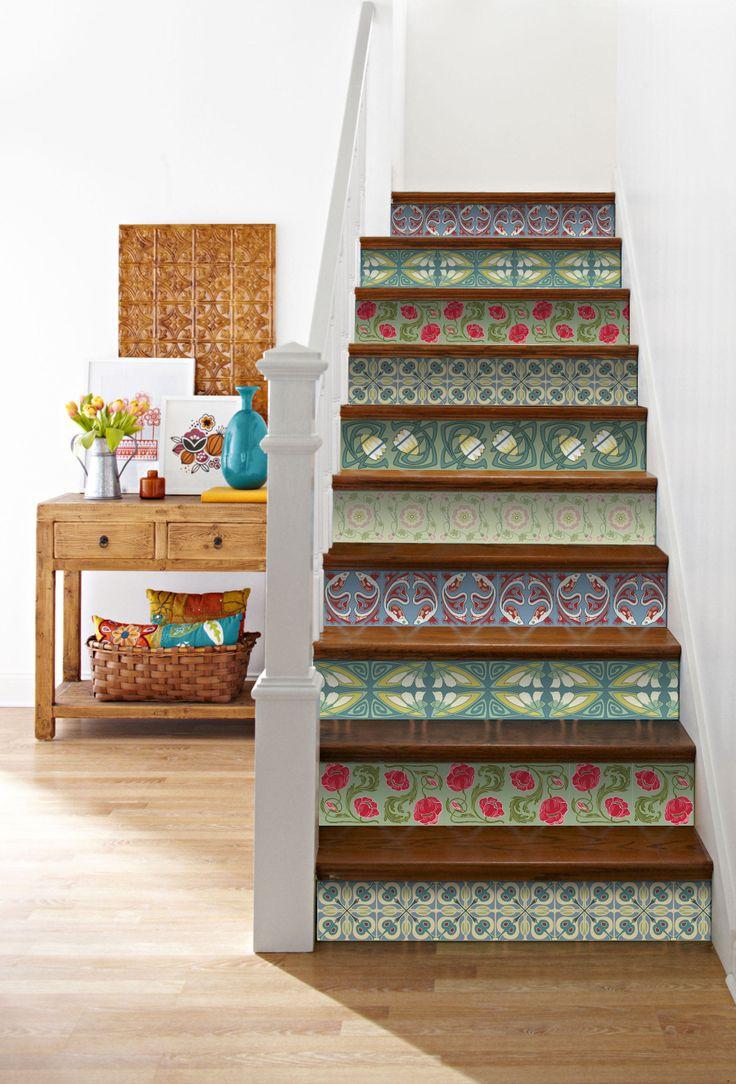 Tu escalera puede verse igual de linda que for Azulejos pvc autoadhesivos