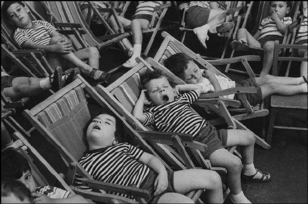 Henri Cartier-Bresson / Magnum Photos. CAMPANIA, Italy—1960.