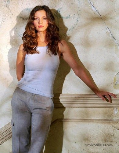 Angel - Promo shot of Charisma Carpenter