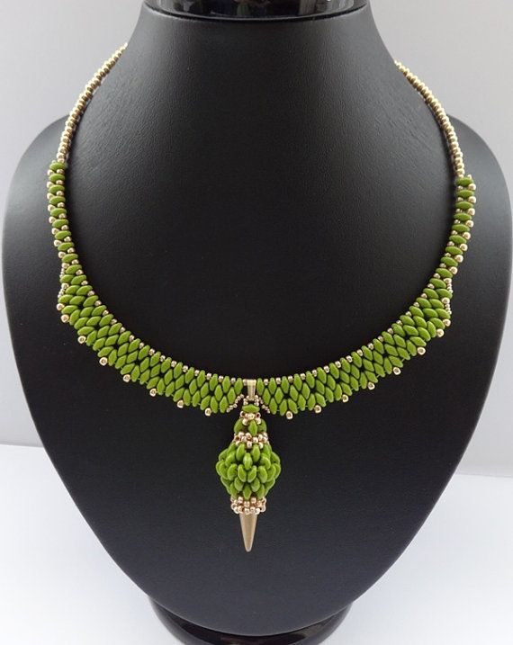 Spring+green.+necklace.+by+AfinaBeads+on+Etsy,+€55.00