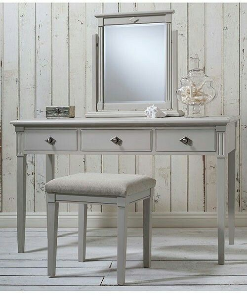 Nicky Cornell Pebble Natural Dressing Table Stool and Mirror set