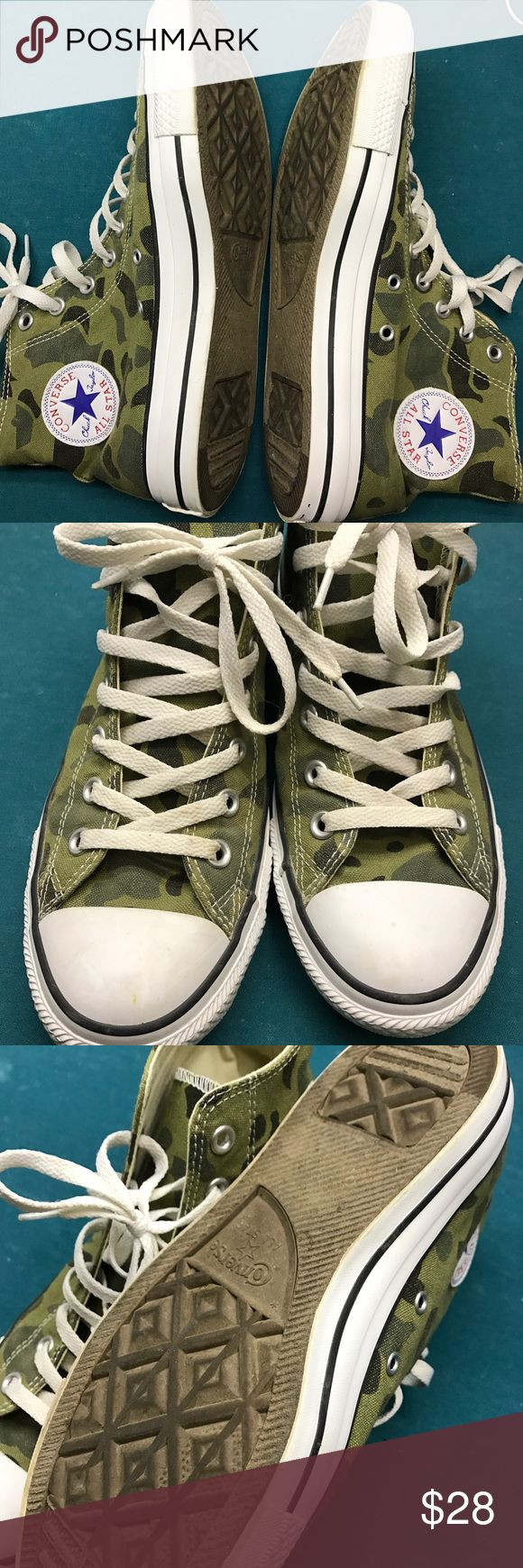 Men's camo converse size 9 Used but in good condition. Make an offer! Converse Shoes