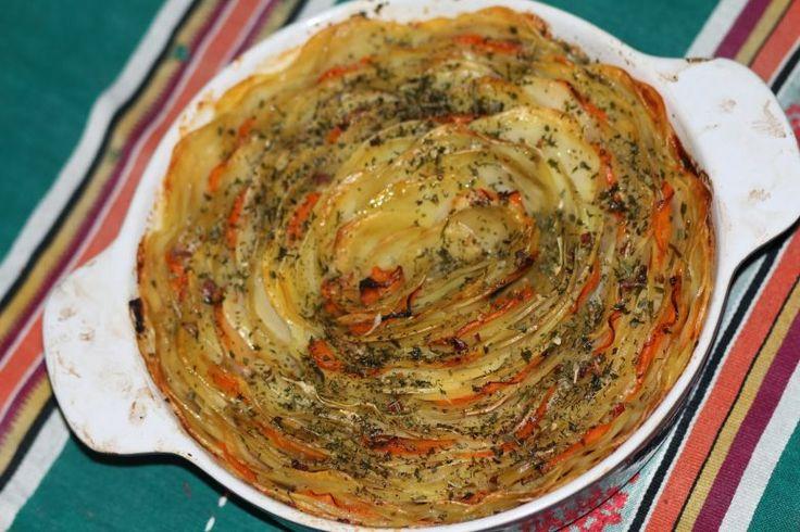 Картофель, запеченый с морковью