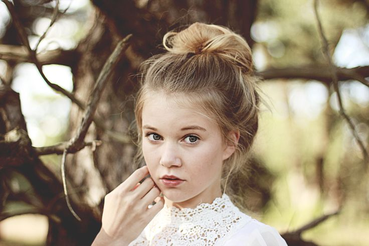 shooting, girl, shy, forest, 50mm, canon, messy bun, lace, lace shirt, white shirt, natural