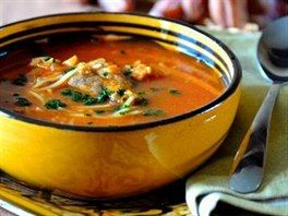 Cizrnová polévka harira