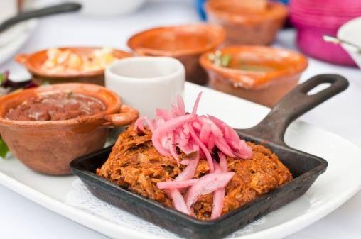 #gastronomíacreativadelinda #recetas #platillostípicos #fiestas #15sep #lindabrockmann  Y A QUIEN NO SE LE ANTOJA UNA DELICIOSA COCHINITA PIBIL??  La Cochinita Pibil es un platillo típico del estado de Yucatan, tierra de Mayas y localizado al...