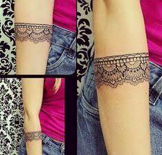 Resultado de imagem para tatuagem bracelete feminino