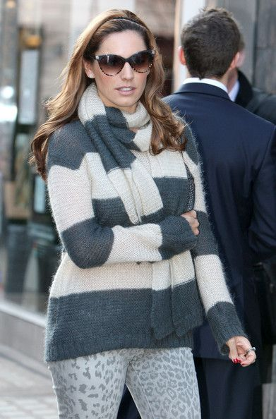 Kelly Brook Crewneck Sweater - Kelly Brook kept cozy in London in a gray and white rugby striped sweater and matching scarf.
