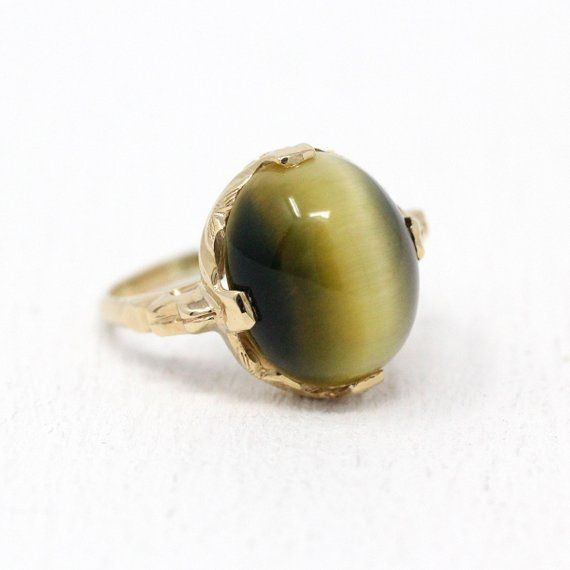 Unique Vintage 10k Yellow Gold Olive Green Tigers Eye Ring The Golden Yellow To Olive Green Gem Contains A Antique Rings Vintage Green Gems Tiger Eye Jewelry