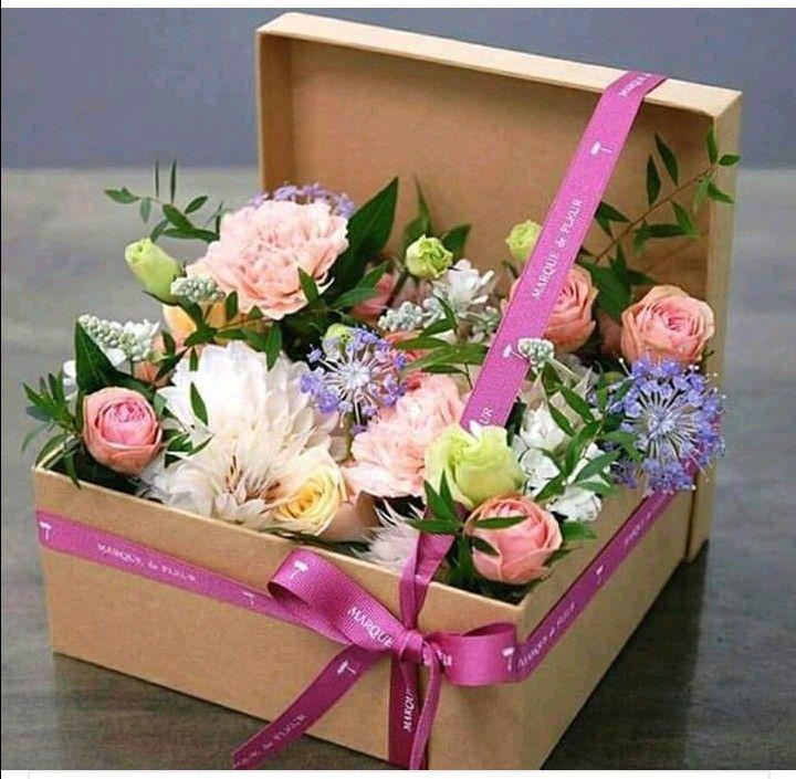 Pin By Wioletta Rewaj On Zyczenia Urodzinowe Flower Box Gift Flower Gift Flower Arrangements Diy