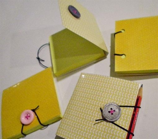 This TopicShow shows how to make a durable reusable cover for a sticky note pad with a built in pen/pencil holder.