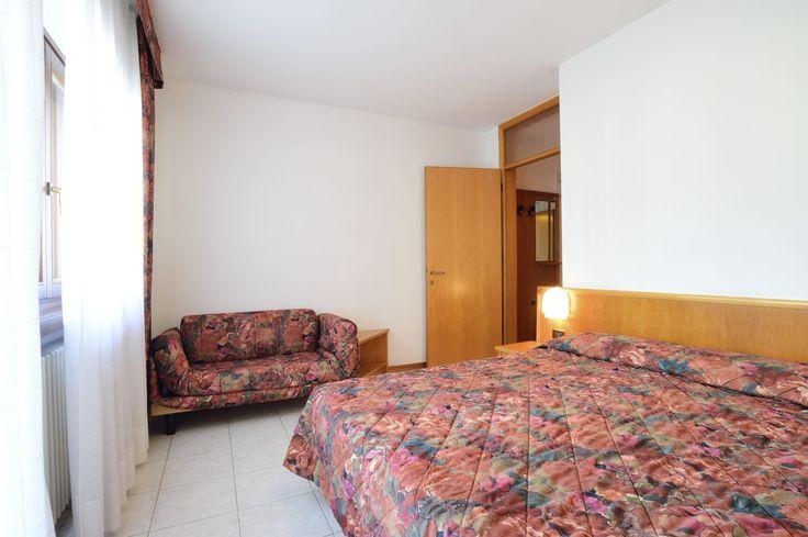 da letto matrimoniale o doppia + 3° divano letto, balcone lato ovest ...