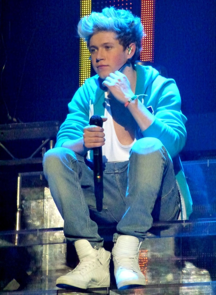 Niall Horan on stage Feb. 23, 2013 at the O2 show in London! TMH Tour. <3