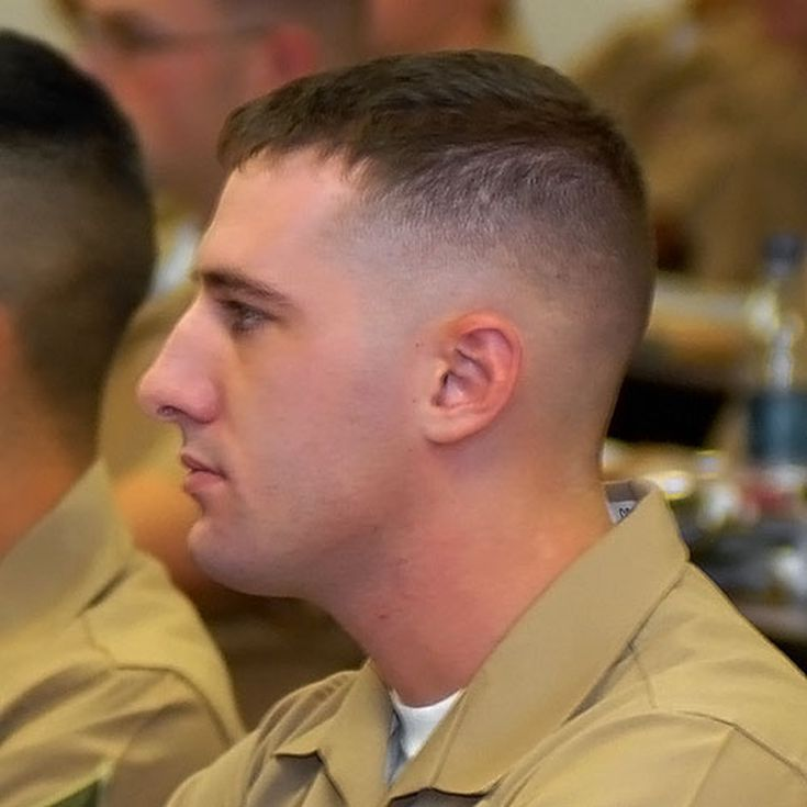 Don T Miss These 10 Pictures Of Men S Military Haircuts Military Haircut Marine Haircut Military Haircuts Men
