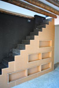 Escalera de cartón diseña, construida y montada por La Cartonería y Tertius Creaciones
