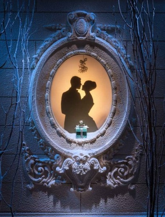 17 Best Ideas About Christmas Window Display On Pinterest