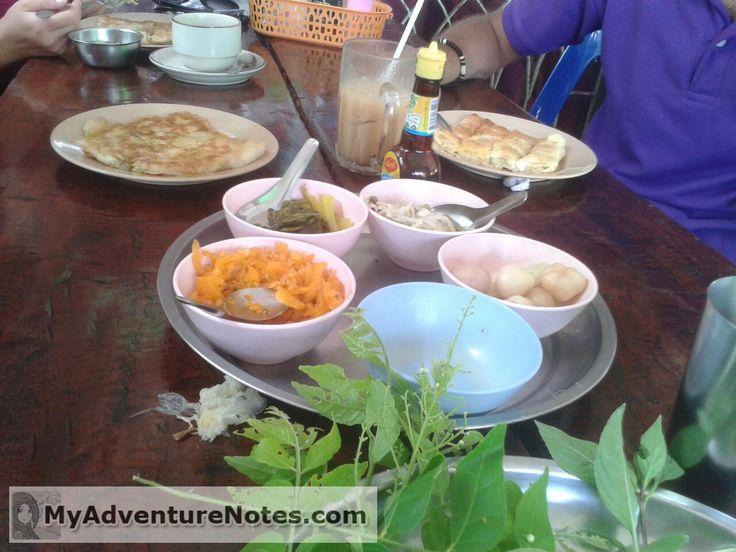 Питание в Таиланде Какую пищу можно встретить в Таиланде? Что едят? Что едим мы? Фрукты Таиланда. Магазины и рынки, кафешки и торговые центры. Насколько дорого и выгодно питаться различными путями. Повседневная пища. Сладенькое. Рассказ о питании с точки зрения длительного нахождения в Таиланде.