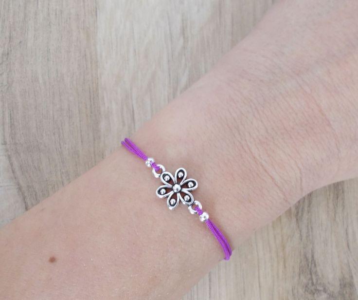 Flower Bracelet, Sliding Knot Bracelet, Friendship Bracelet, Adjustable Bracelet, Minimalist Design Bracelet by BluePinkJewelry on Etsy