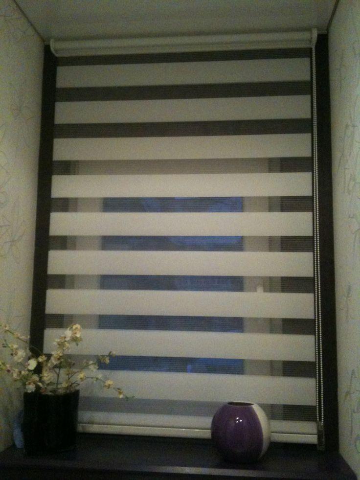 17 meilleures id es propos de store enrouleur jour nuit sur pinterest store fenetre rideau. Black Bedroom Furniture Sets. Home Design Ideas