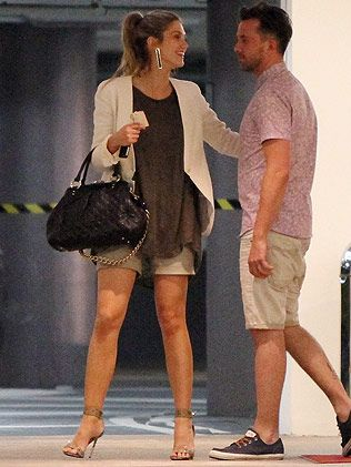 As much as I dont like Delta Goodrem, the girl has great style!!!