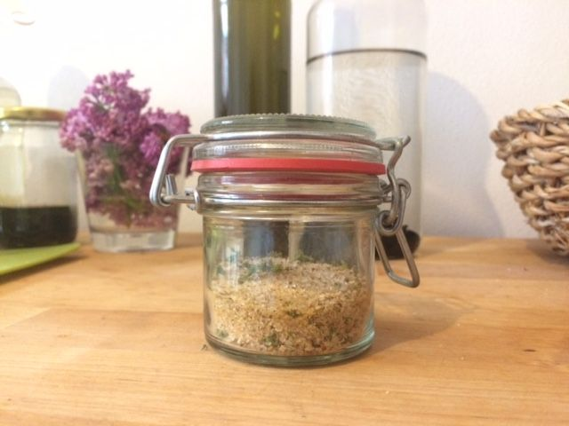 nasuš si bylinky na bylinkovou sůl :)