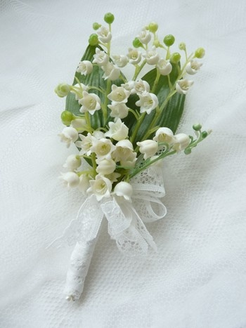 http://www.rainbowweddingflowers.co.uk/USERIMAGES/LOVbhole.jpgButtonhole Gallery, Valley Buttons, Green Stem, Lilly Of The Valley Buttonhole, Buttonhole Ties, Wedding Flowers, Rainbow Wedding, Rainbows Wedding, Buttons Hole