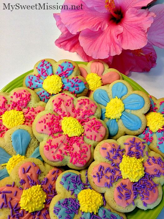 Springtime Decorated Flower Cookies