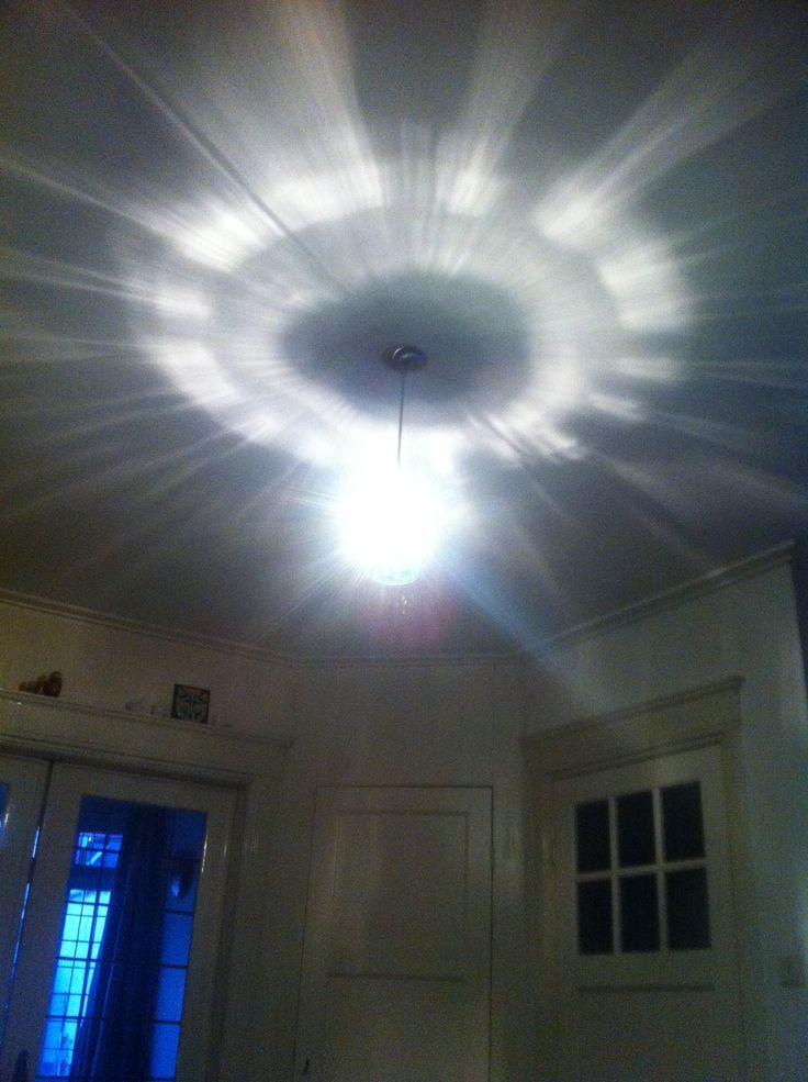 Iets teveel licht en hitte. Moet een led-lamp in om explosies te voorkomen :-)
