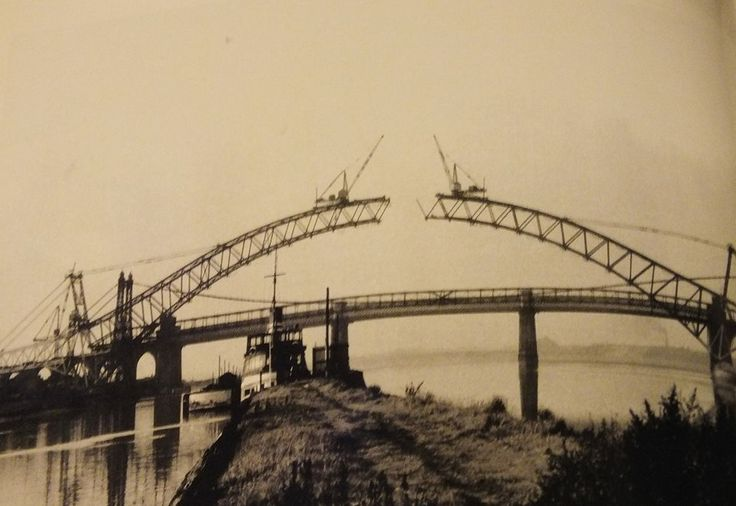 Building Runcorn Widnes bridge 1960's Remember the opening,lived in West Bank