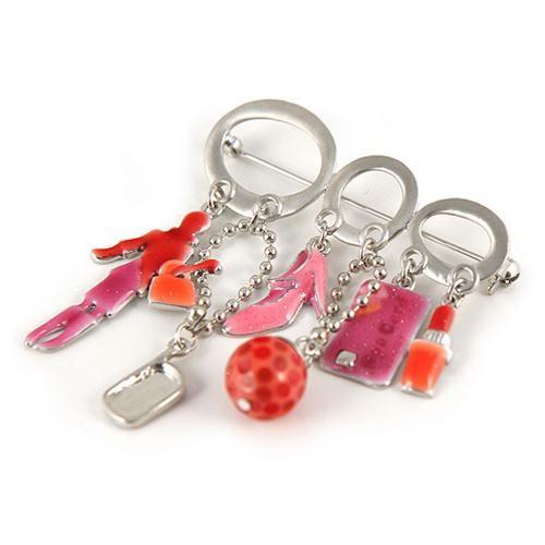 SPILLA CREAMY ROSA  -  Spilla in metallo con pendagli charmes fantasia sul tema shopping in smalto rosso, arancio e rosa.  Ideale per fermare cardigan, scialle o sciarpe o per abbellire cappotti, borse o cappelli.  Dimensioni Larghezza cm 6,5