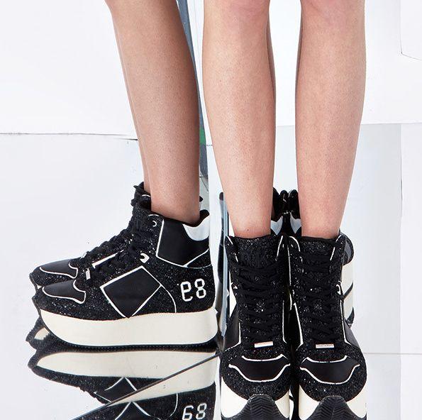 Black and white platform #Sneakers DKNY Resort 2015 #Resort15 #sportive #creepers