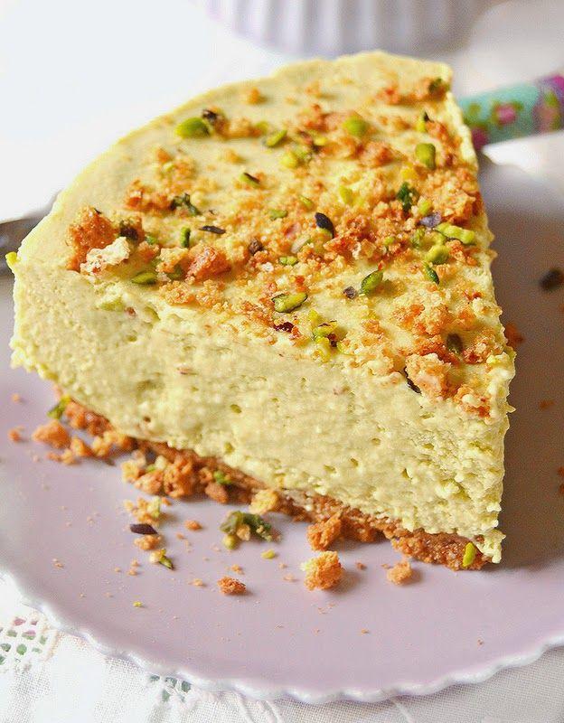 Cheesecake al pistacchio con meringa e ricotta