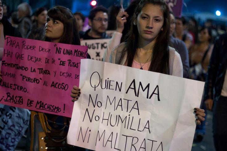 Ni una menos. Marcha en contra de la violencia contra las mujeres ocurridos en Argentina, en contra de los Femicidios, de la violencia de género, el machismo, la trata de personas, falta de leyes e incumplimiento de ellas, reclamo de aborto legal, se que se escuche el grito de BASTA! NI UNA MENOS! La marcha se expandió a toda latinoamerica, así teniendo presencia en México, Chile y Uruguay.