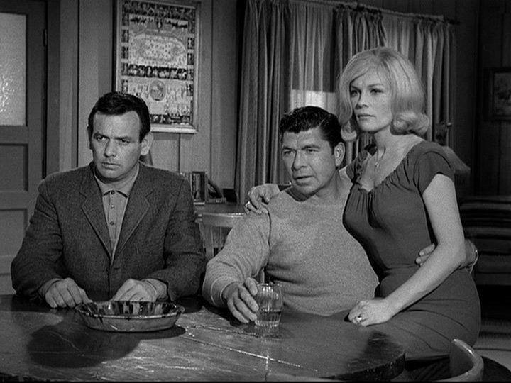 Claude Akins, David Janssen, and Joanna Moore in The Fugitive (1963)