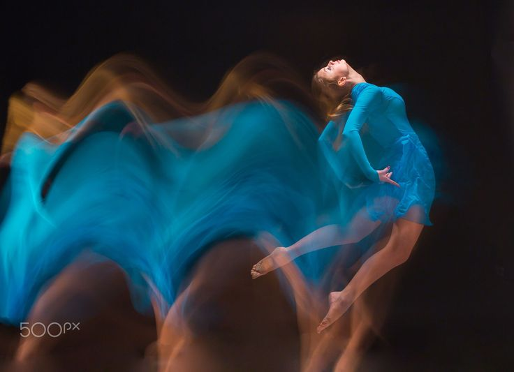 The art photo-emotional dance of beautiful blue woman by Volodymyr Melnyk on 500px