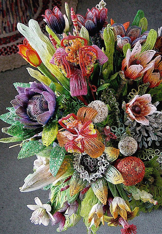 Mario Rivoli - beaded flowers