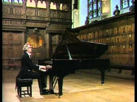 Schubert - Piano Sonata in B Flat Major, D. 960 First Movement (Molto moderato) - Alfred Brendel
