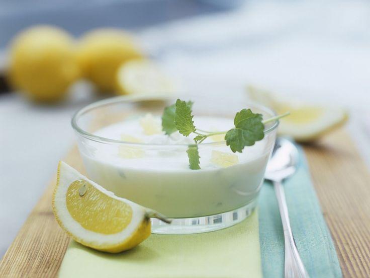Zitronenquark - smarter - Kalorien: 160 Kcal - Zeit: 15 Min. | eatsmarter.de