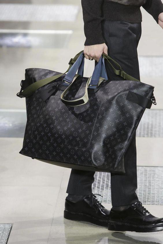 3f830e29b3fcf Bag #Louisvuittonhandbags Torebki Louis Vuitton, Męskie Torby, Walizki