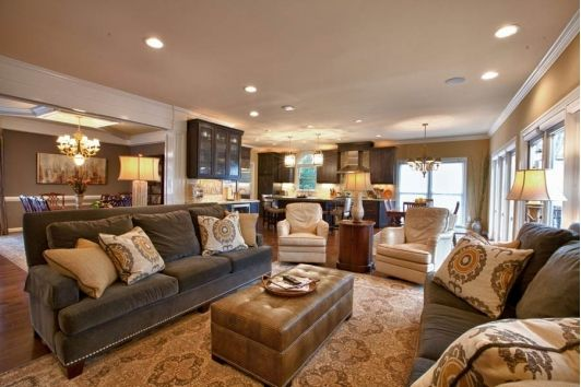 Lovely Living Room Design with Off-White Chairs