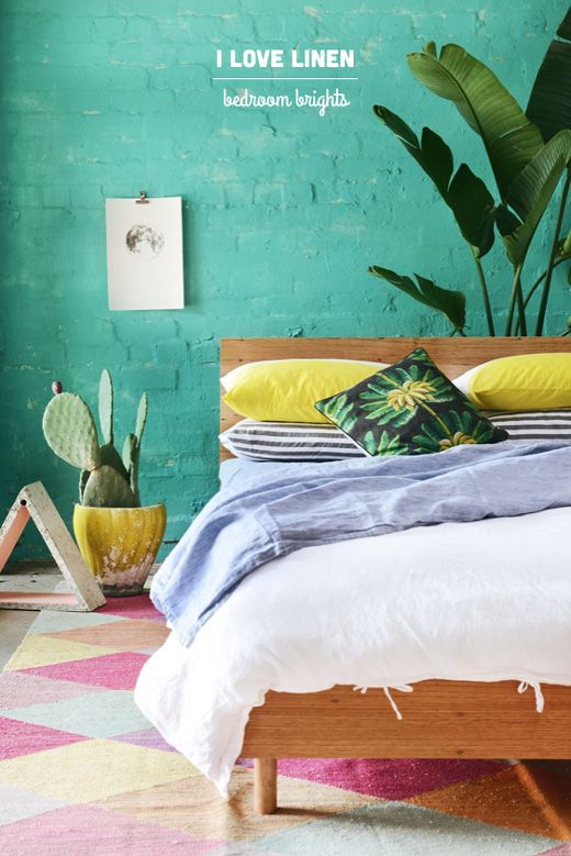 Tropical bedding I especially like how the bed is away from the wall, like the plant is a part of the backboard...