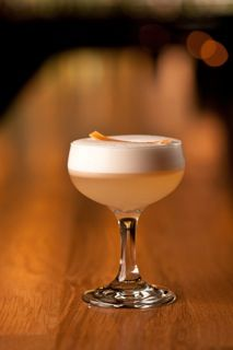 #Cocktail Inspiration : Gin Rose  2 oz #Gvine #Gin Nouaison 1 oz grapefruit juice 1/2 oz chamomile rose tea syrup 3 dashes Bittermens Hopped Up grapefruit bitters 1 egg white