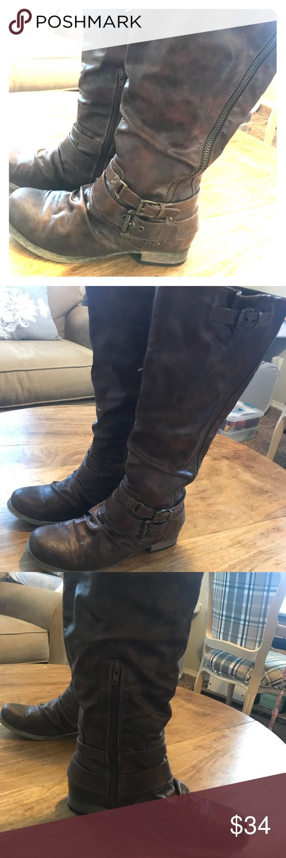 Carlos Santana Boots Excellent Condition, worn less than 10x. Dark brown, size 8 Carlos Santana Shoes Winter & Rain Boots