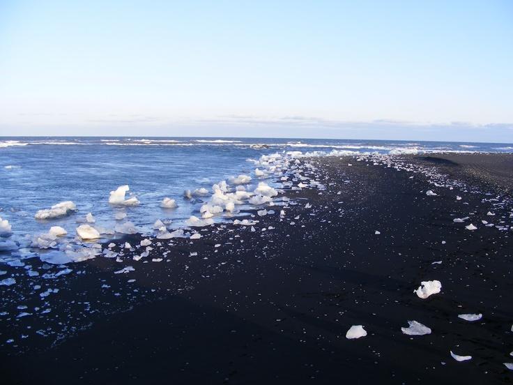 Black sand beach, near the Ice Lagoon (Jokulsarlon), Iceland